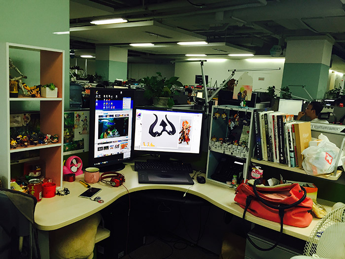 你以为腾讯的办公桌是这样的?