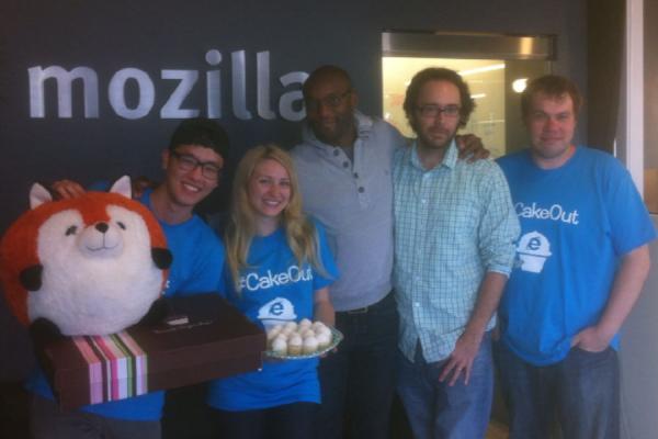 Firefox/Chrome/IE一家亲 微软送上蛋糕示好