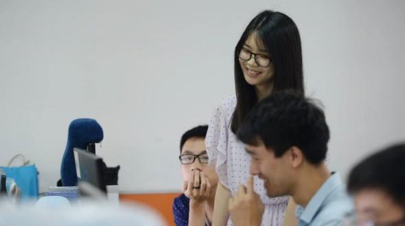 中国IT公司欣起一场美女程序员鼓励师招聘潮