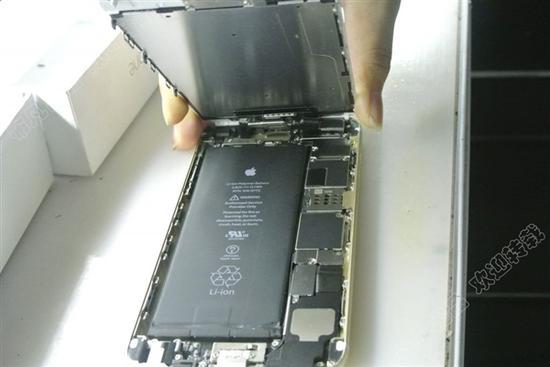 网友手动把iPhone 6 Plus从16GB升级到128GB
