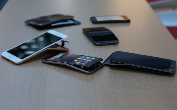 当年让乔布斯折腰的《消费者报告》,进行掰弯iPhone 6测试