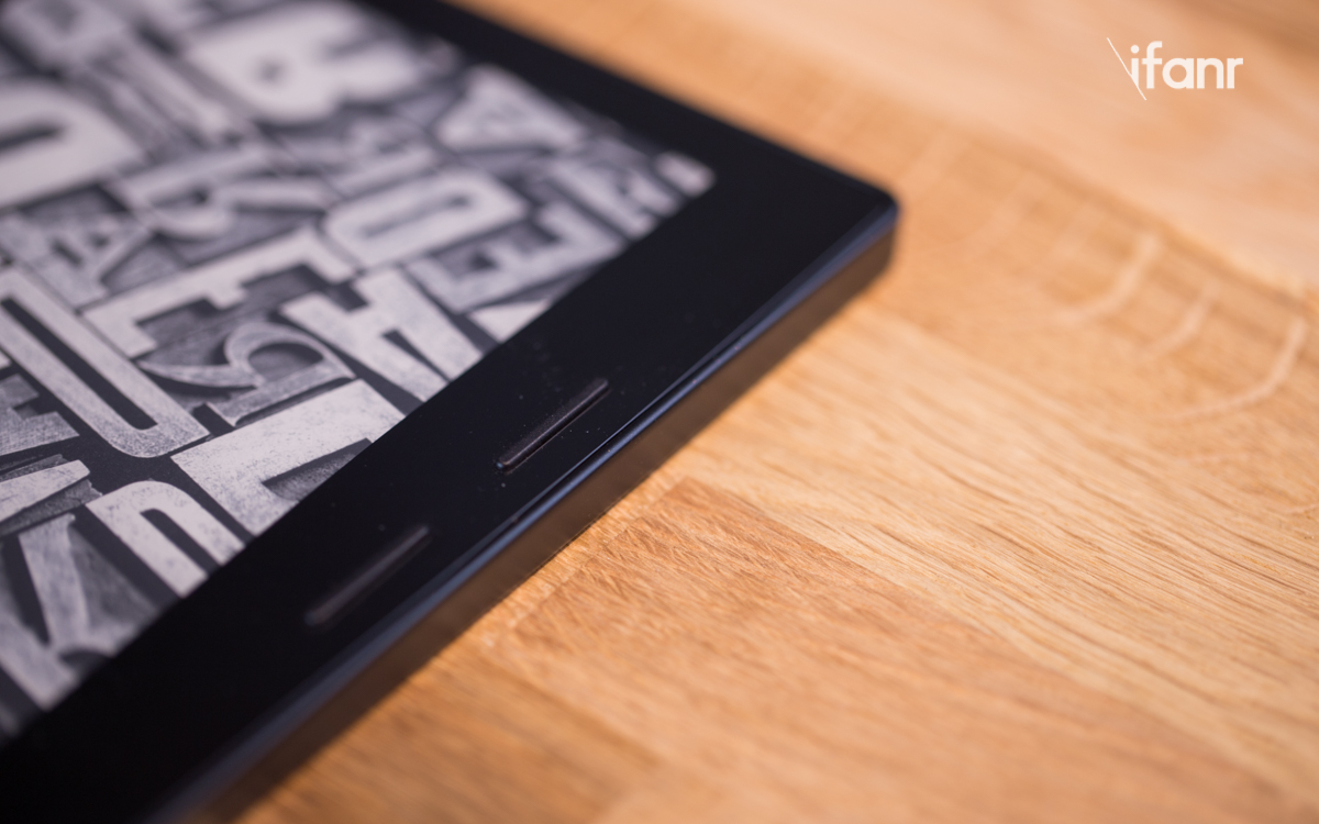 我们上手了 Kindle Oasis,决定不再吐槽它的设计