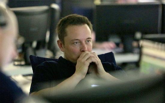 伊隆·马斯克:开发人工智能就是在召唤恶魔