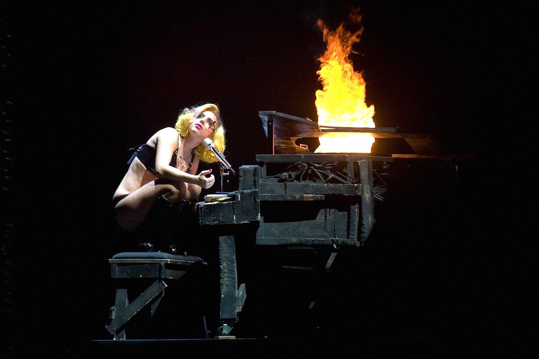 Lady Gaga创业的公司都破产了,投资网红需谨慎